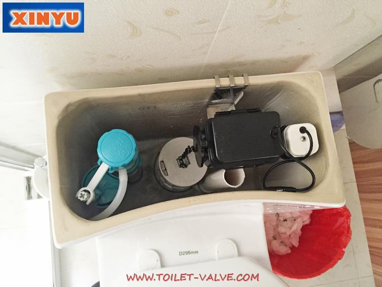 Microwave controlled automatic toilet flush kit